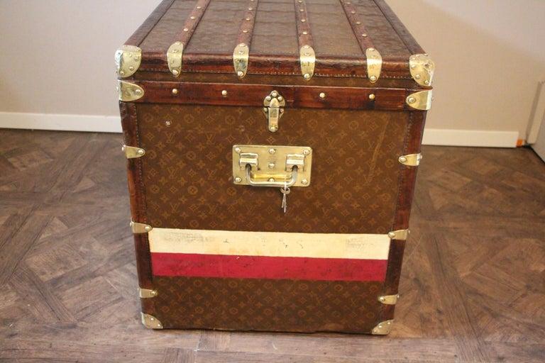 1930s High Louis Vuitton Trunk, Louis Vuitton Courrier Steamer Trunk Extra Large For Sale 4