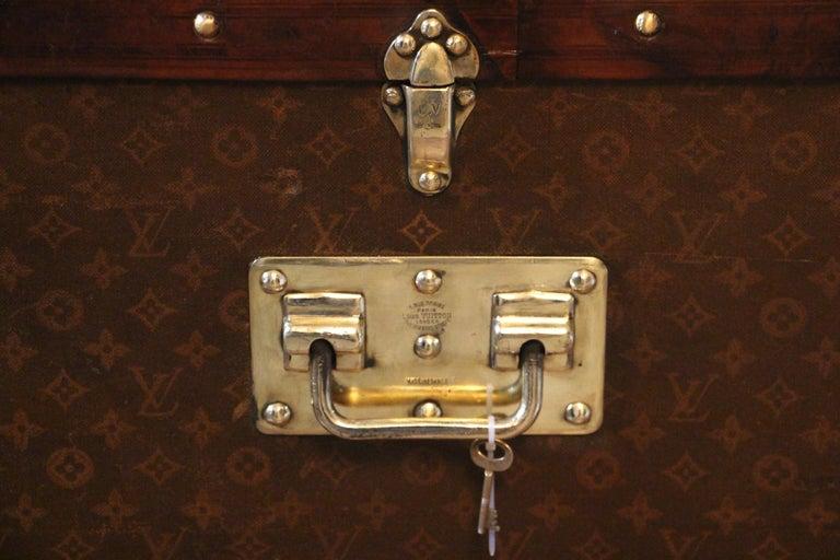 1930s High Louis Vuitton Trunk, Louis Vuitton Courrier Steamer Trunk Extra Large For Sale 5