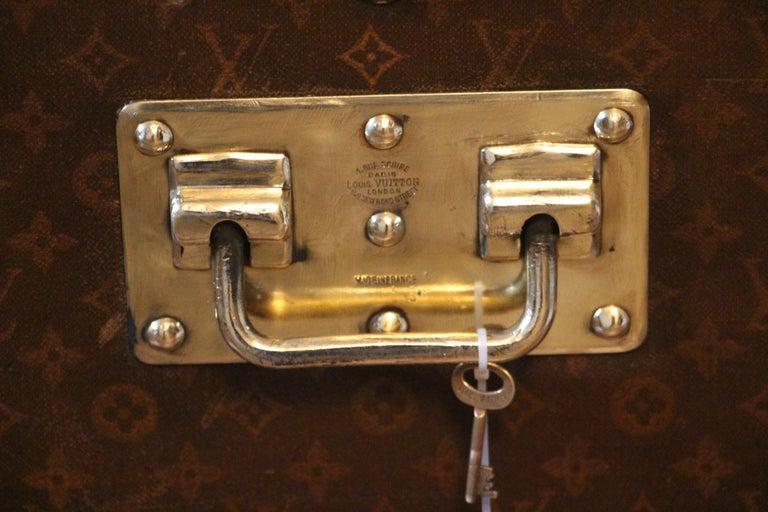 1930s High Louis Vuitton Trunk, Louis Vuitton Courrier Steamer Trunk Extra Large For Sale 7