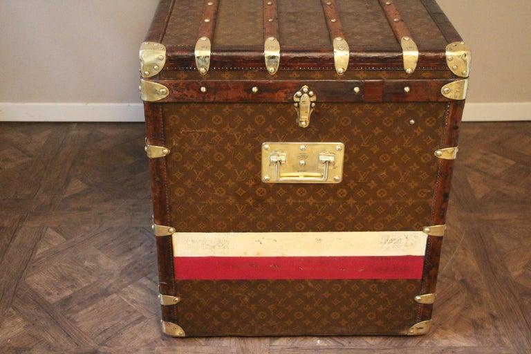 1930s High Louis Vuitton Trunk, Louis Vuitton Courrier Steamer Trunk Extra Large For Sale 10