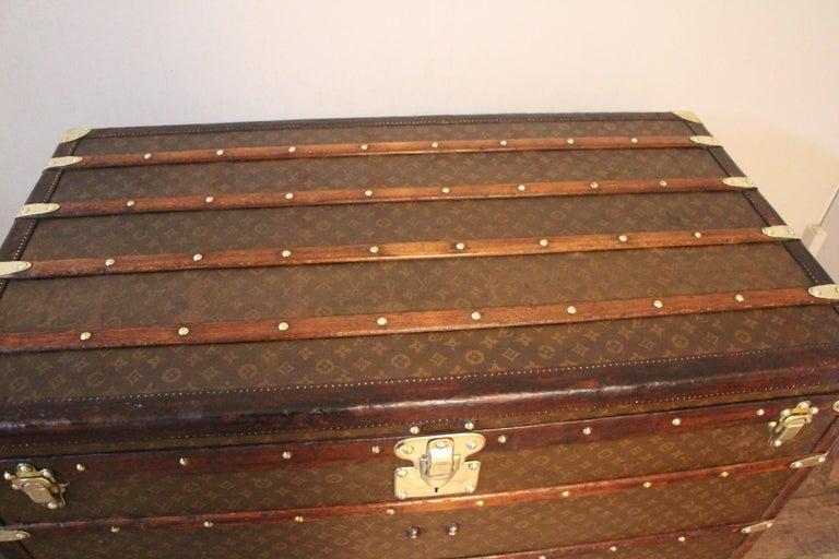 1930s High Louis Vuitton Trunk, Louis Vuitton Courrier Steamer Trunk Extra Large For Sale 3