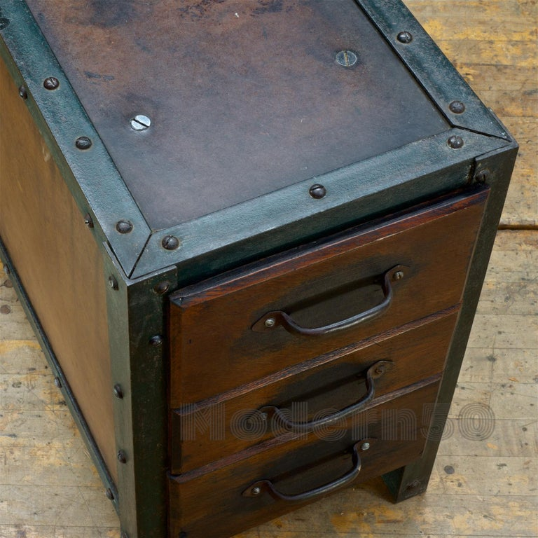 1930s Industrial Workshop Chest Cabinet Factory Vintage Nightstand Drawers Steel For Sale 4