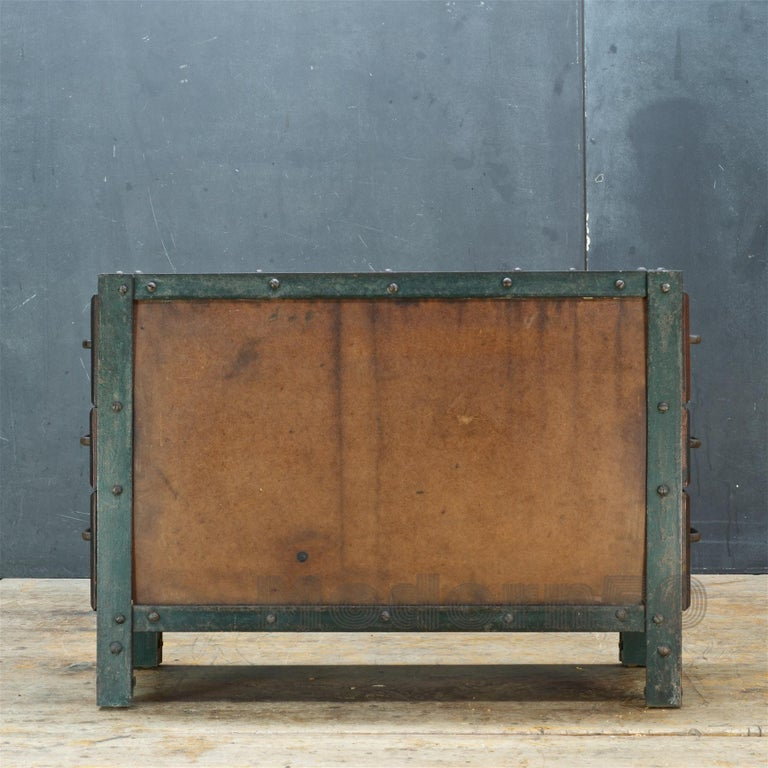 1930s Industrial Workshop Chest Cabinet Factory Vintage Nightstand Drawers Steel In Distressed Condition For Sale In Washington, DC