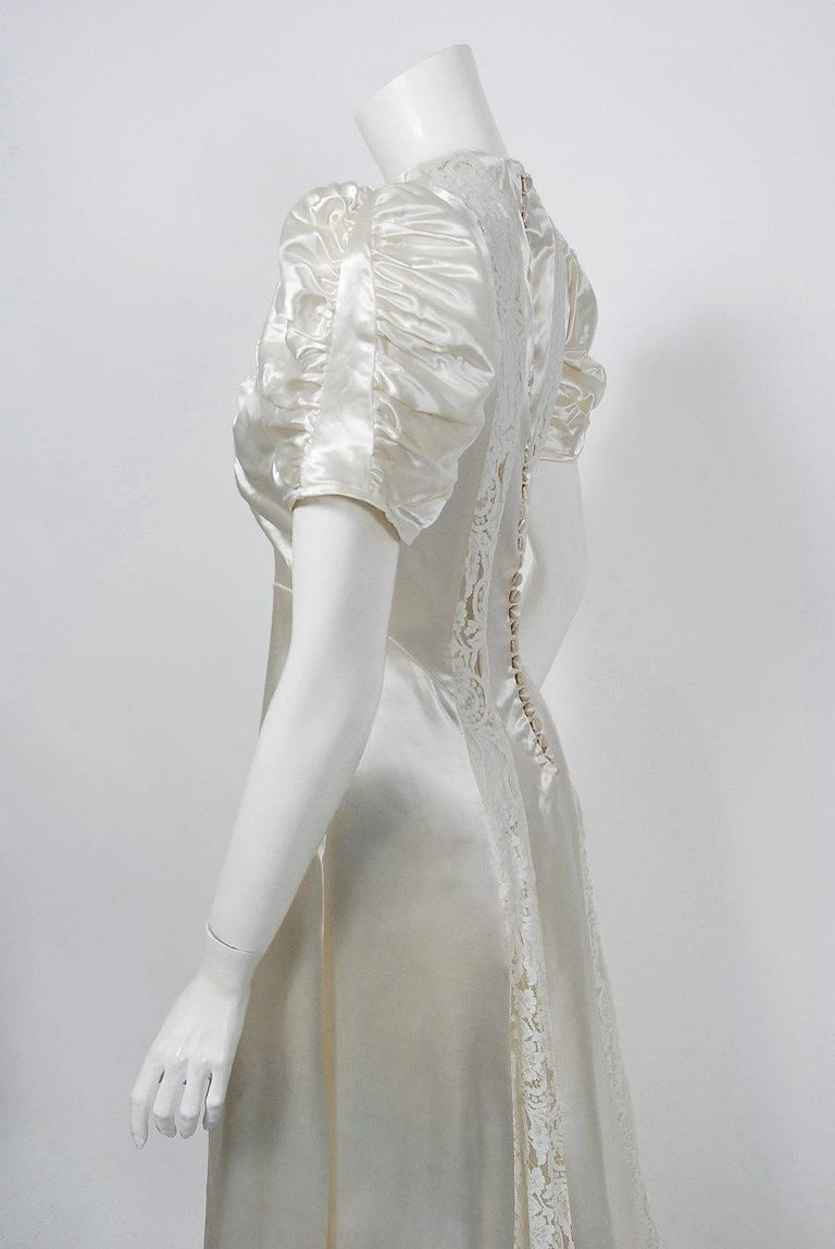 Women's 1930's Ivory Satin & Lace Ruched Puff-Sleeve Full Length Trained Bridal Gown For Sale