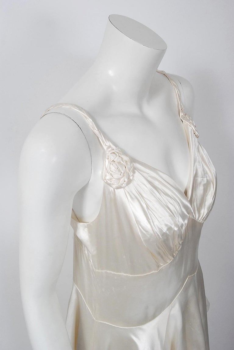 Gray Vintage 1930's Ivory Satin Sculpted Plunge Rosette Appliques Bridal Slip Dress For Sale