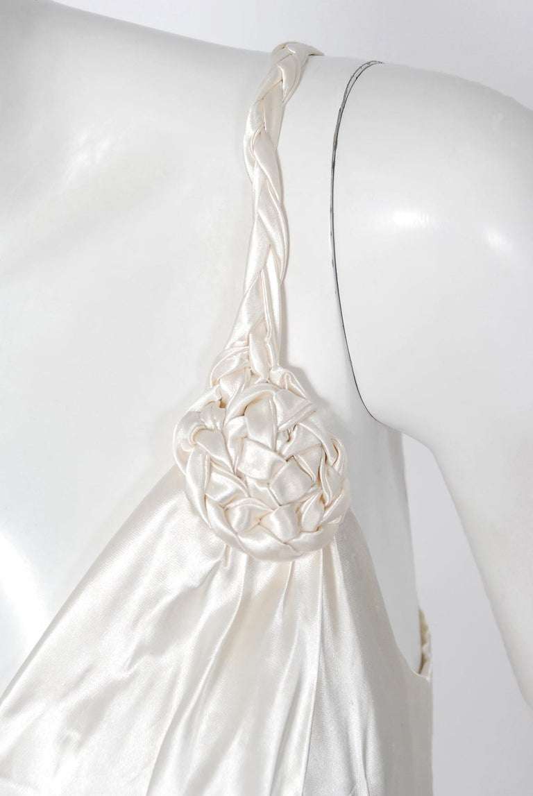 Vintage 1930's Ivory Satin Sculpted Plunge Rosette Appliques Bridal Slip Dress In Good Condition For Sale In Beverly Hills, CA
