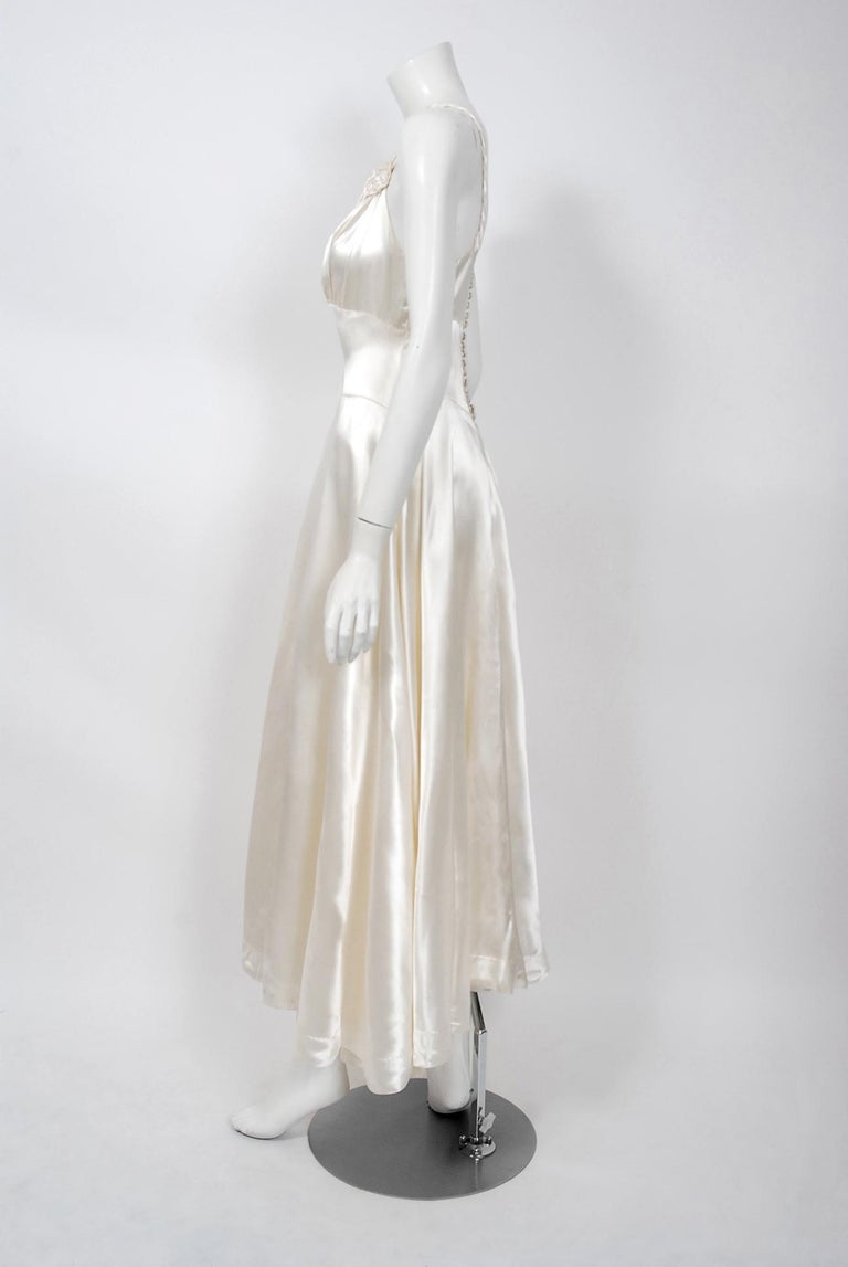 Women's Vintage 1930's Ivory Satin Sculpted Plunge Rosette Appliques Bridal Slip Dress For Sale