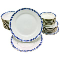 1930s Japanese Porcelain Dinnerware Set of 32 Pieces by, Noritake