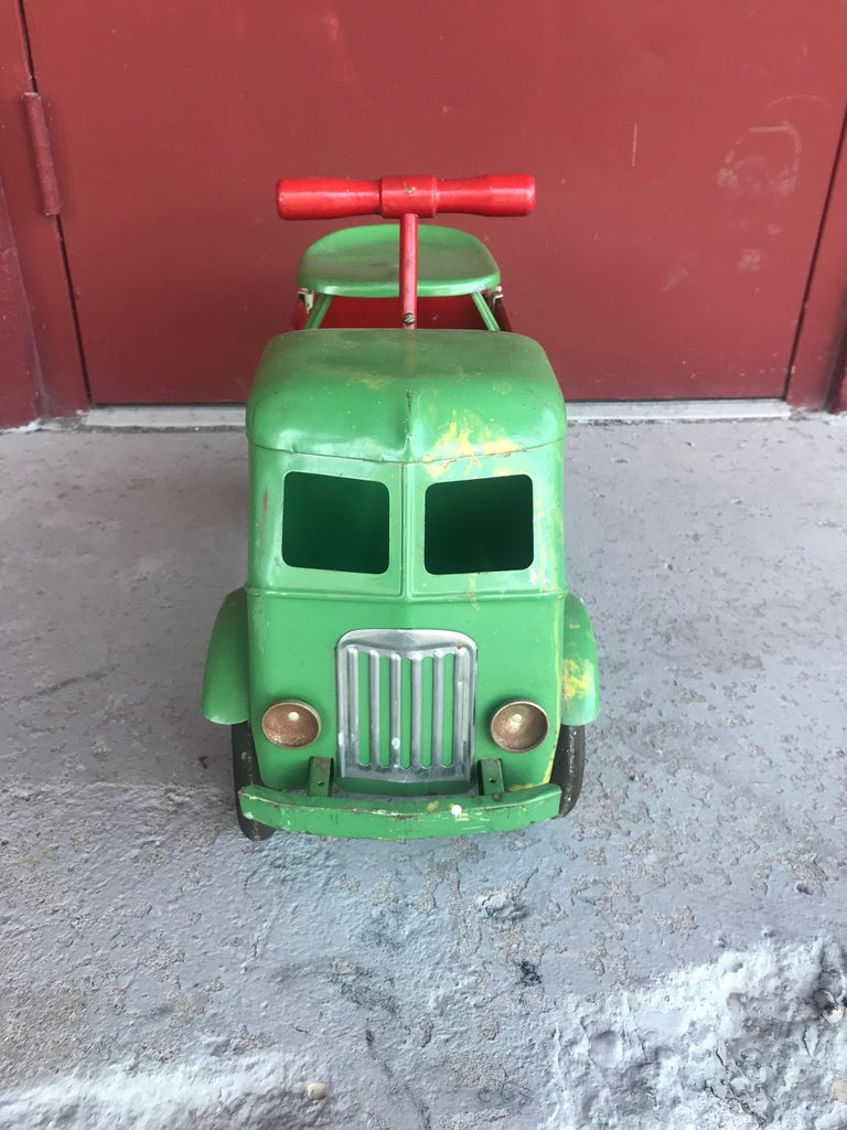 1930s keystone pressed metal ride-em dump truck, chairs ride on toy, excellent original condition.