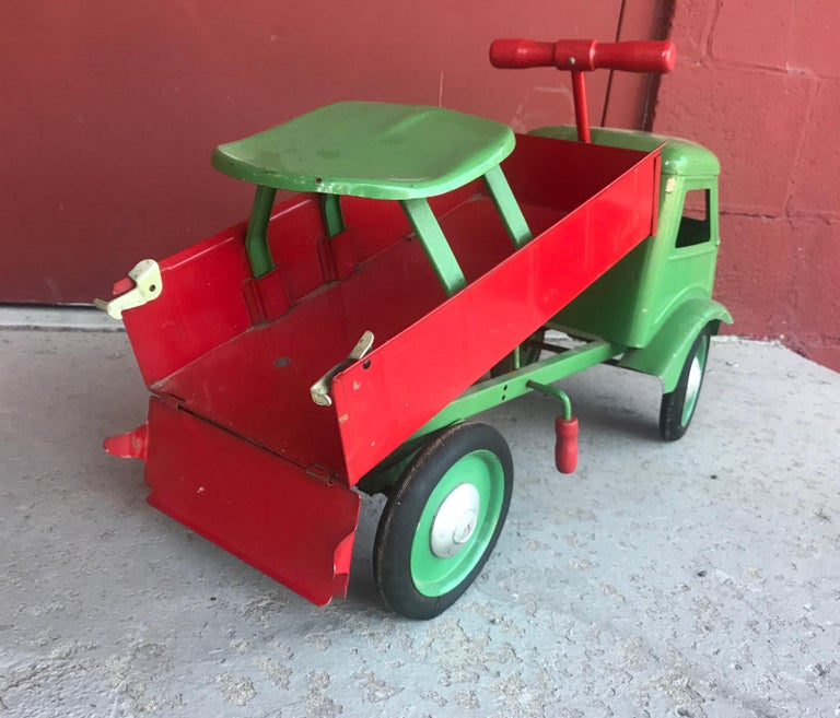 Pressed 1930s Keystone Ride-Em Dump Truck,, Chairs Ride on Toy For Sale