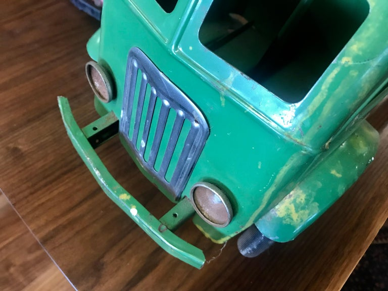 Mid-20th Century 1930s Keystone Ride-Em Dump Truck,, Chairs Ride on Toy For Sale