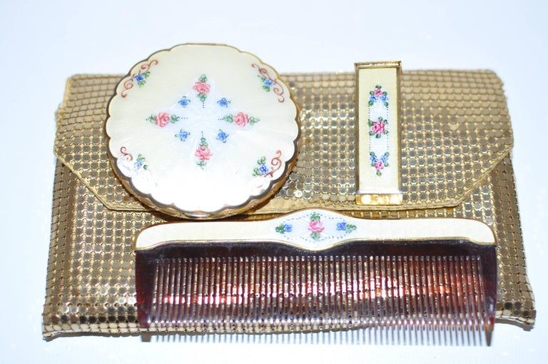 1930s La Mode Guilloche Enamel Set with a Free Whiting & Davis Chain Pouch For Sale 2