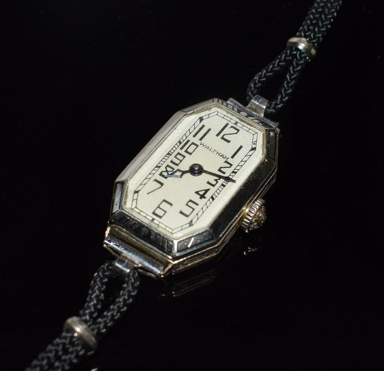 For your consideration is this fabulous Art Deco Waltham Swiss ladies manual wind up wrist watch. This fine classic watch movement runs well on 17 jewels. Case is signed Waltham Watch Co. 14K GF. It is white gold and in excellent shape with no wear