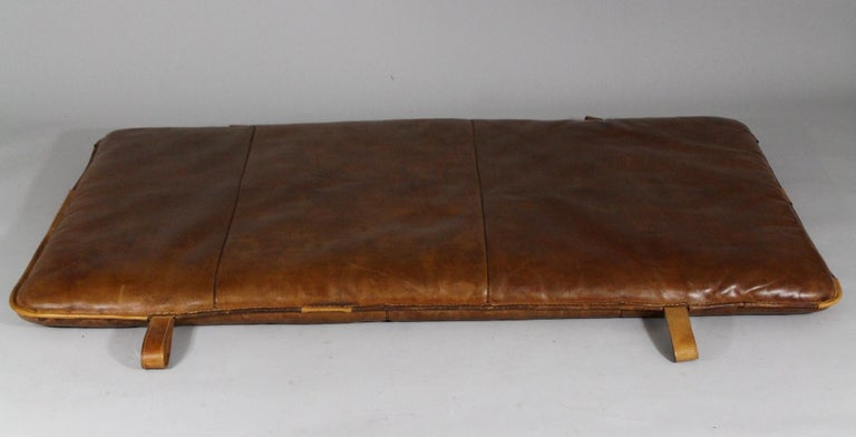 1930s Leather Gym Mat In Good Condition In Cimelice, Czech republic