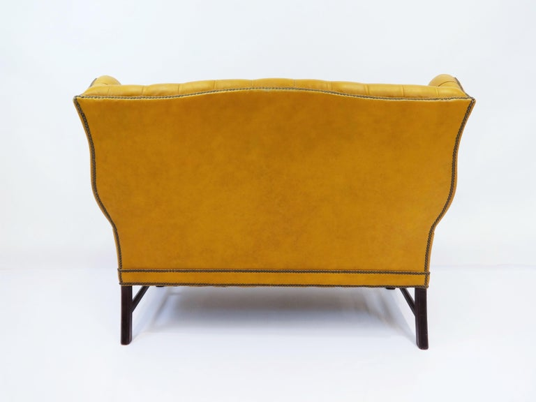 1930s Leather Tufted Wing Back Settee In Good Condition For Sale In Dallas, TX