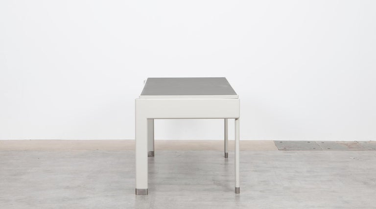 1930s Light Grey Steel Desk by Jean Prouvé In Excellent Condition For Sale In Frankfurt, Hessen, DE