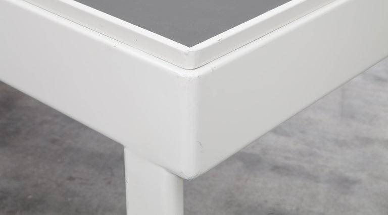 1930s Light Grey Steel Desk by Jean Prouvé For Sale 2