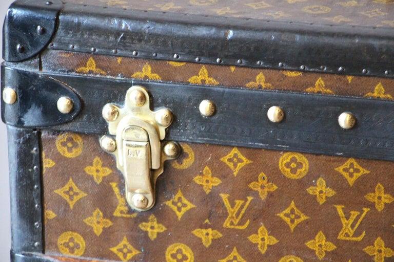 1930s Louis Vuitton Stenciled Monogram Cabin Steamer Trunk, Louis Vuitton Trunk In Good Condition For Sale In Saint-Ouen, FR