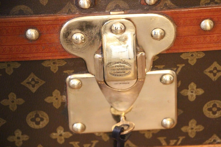 1930s Louis Vuitton Trunk, Louis Vuitton Steamer Trunk 1 In Good Condition For Sale In Saint-Ouen, FR