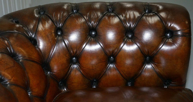 1930s Made in England Hand Dyed Restored Cigar Brown 2-Seat Chesterfield Club For Sale 5