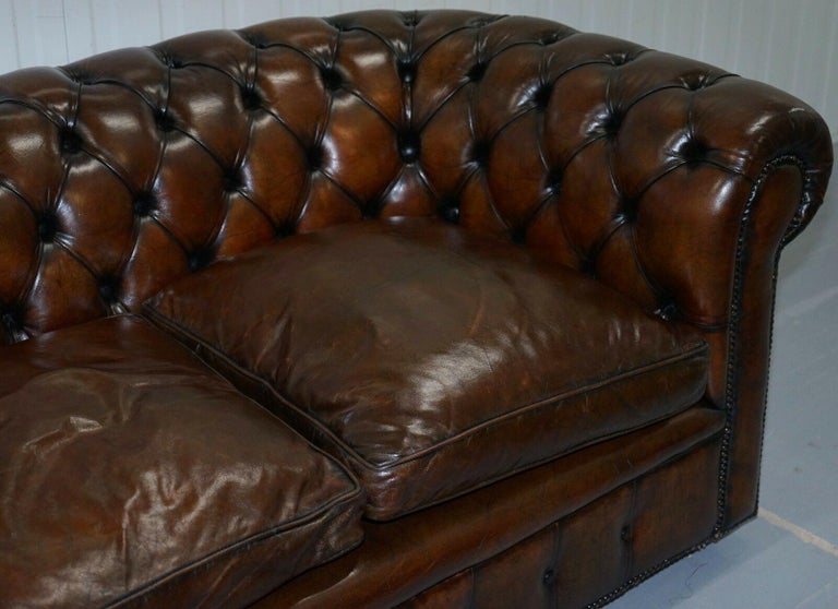 Hand-Crafted 1930s Made in England Hand Dyed Restored Cigar Brown 2-Seat Chesterfield Club For Sale