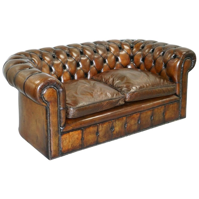 1930s Made in England Hand Dyed Restored Cigar Brown 2-Seat Chesterfield Club For Sale