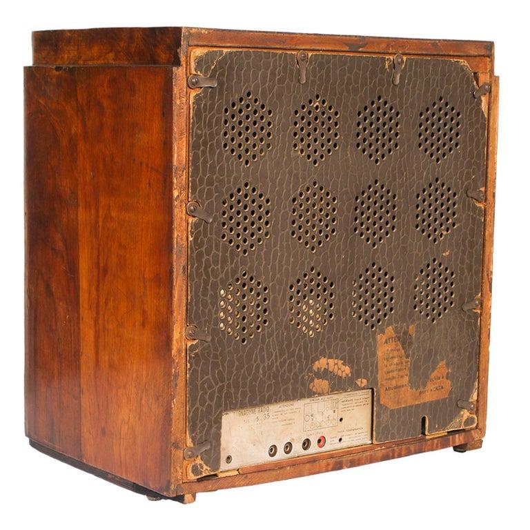 1930s Magnadyne Art Deco Tube Radio, Empire Style, Working, All Original Parts In Good Condition For Sale In Vigonza, Padua