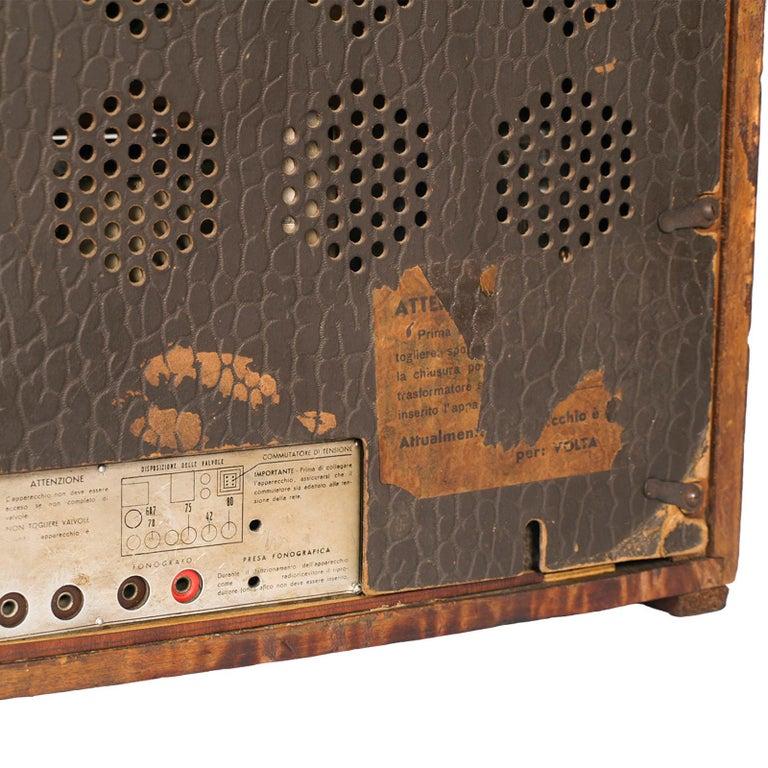 20th Century 1930s Magnadyne Art Deco Tube Radio, Empire Style, Working, All Original Parts For Sale