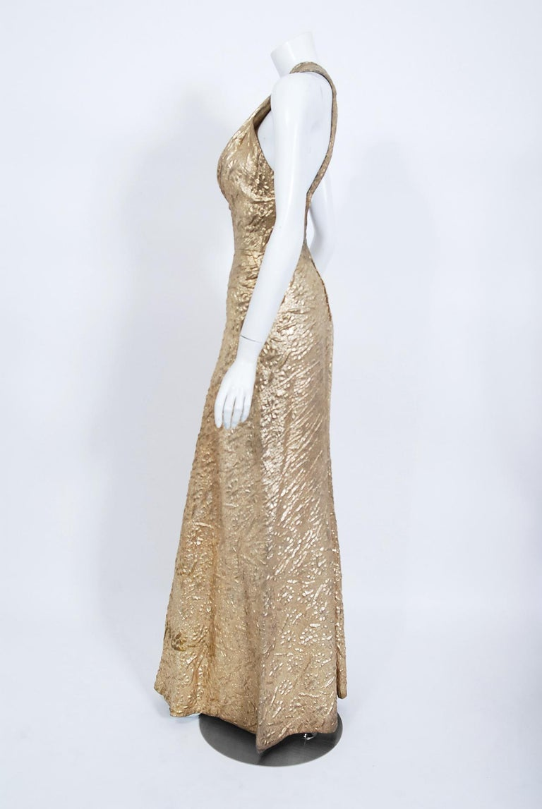 1930's Metallic Gold Textured Lamé Backless Bias-Cut Couture Evening Gown For Sale 1