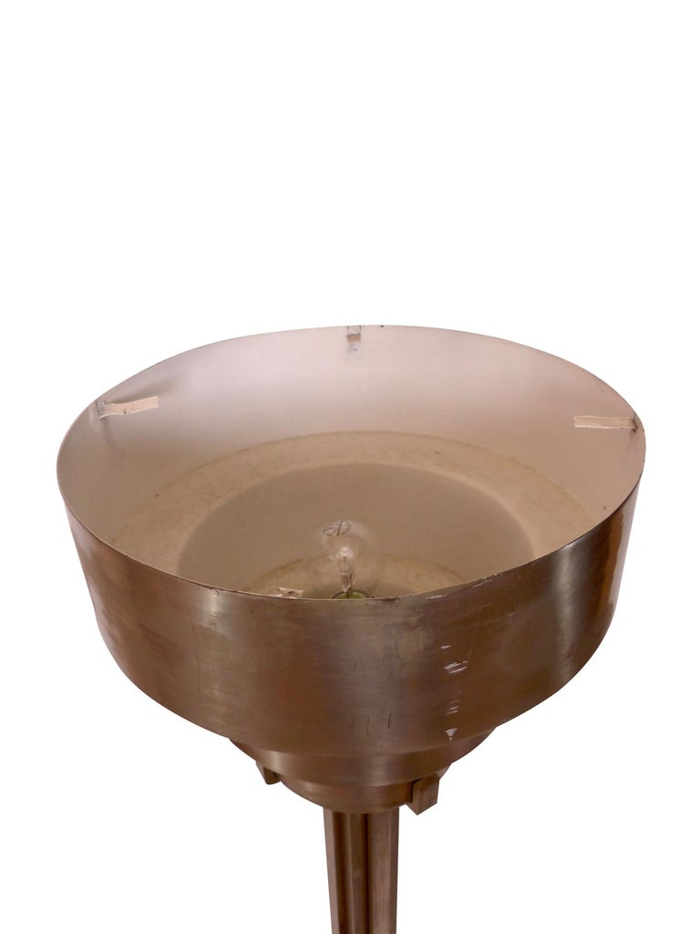 1930s Modernistic Floor Lamp with Uplighter in Metal, French Art Deco In Fair Condition For Sale In Baden-Baden, DE