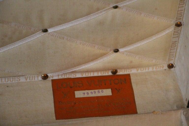 1930s Monogram Louis Vuitton Trunk For Sale 9