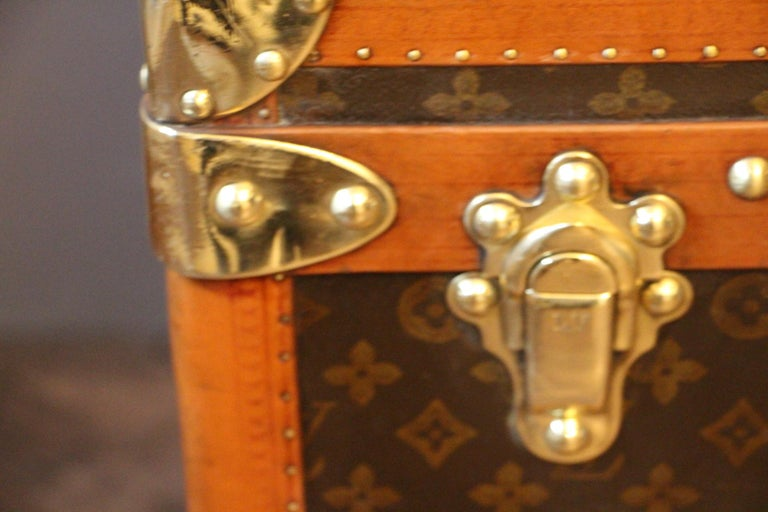 1930s Monogram Louis Vuitton Trunk In Good Condition For Sale In Saint-Ouen, FR