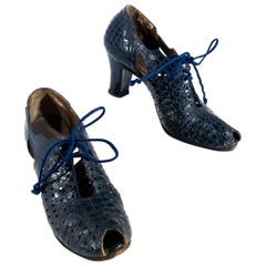 1930's Navy Alligator Cut Out Heels
