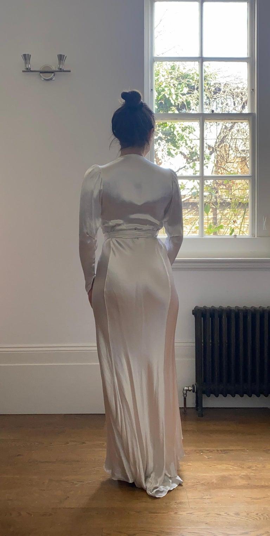 1930s Original White Silk Satin Bias Cut Wedding Dress For Sale 2