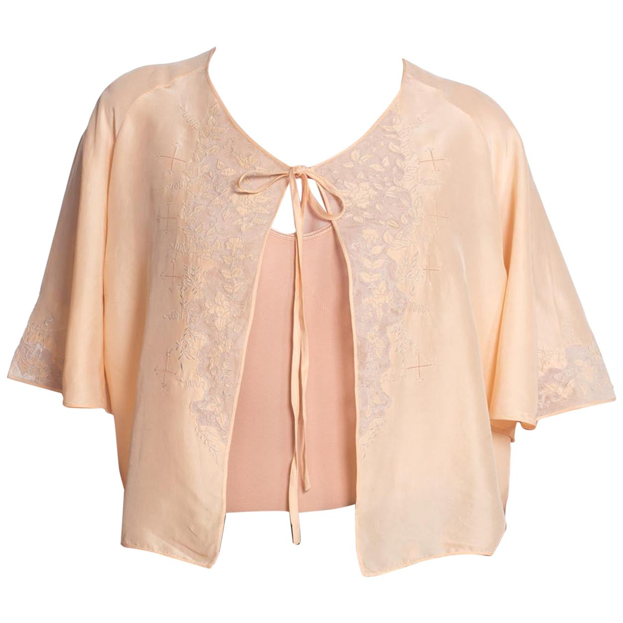 1930S Peach Silk Tie Front Bed Jacket With Embroidered Net Lace Trim