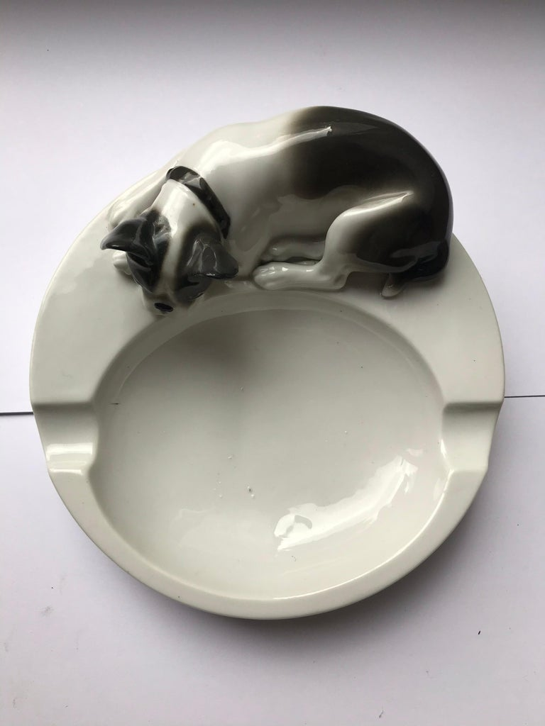 1930s Porcelain Ashtray with French Bulldog by Pfeffer Gotha , Germany  For Sale 3