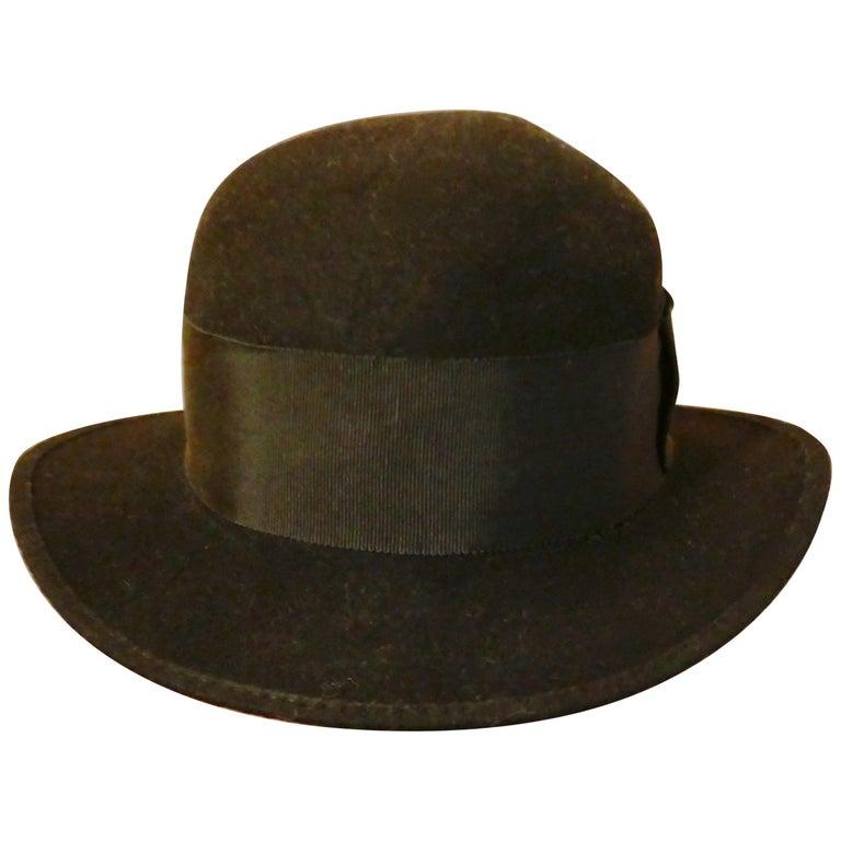 1930s Pre War Black Cloche Felt Hat  For Sale