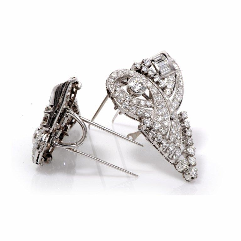 Round Cut 1930s Scroll Diamond Platinum Double Clip Pin Brooch For Sale