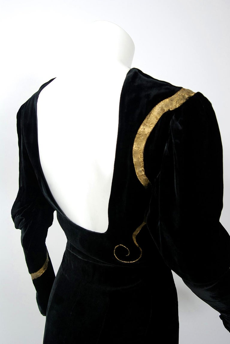 1930's Sears Autographed Fashions Hand-Painted Gold Snake Black Velvet Gown    6