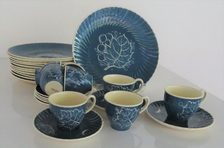 Mid-Century Modern 1930s Susie Cooper Modern Grape Leaves and Grapes Pattern Breakfast Set, England For Sale
