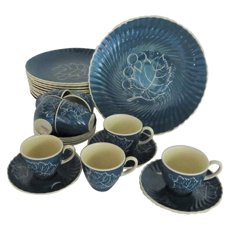 1930s Susie Cooper Modern Grape Leaves and Grapes Pattern Breakfast Set, England For Sale