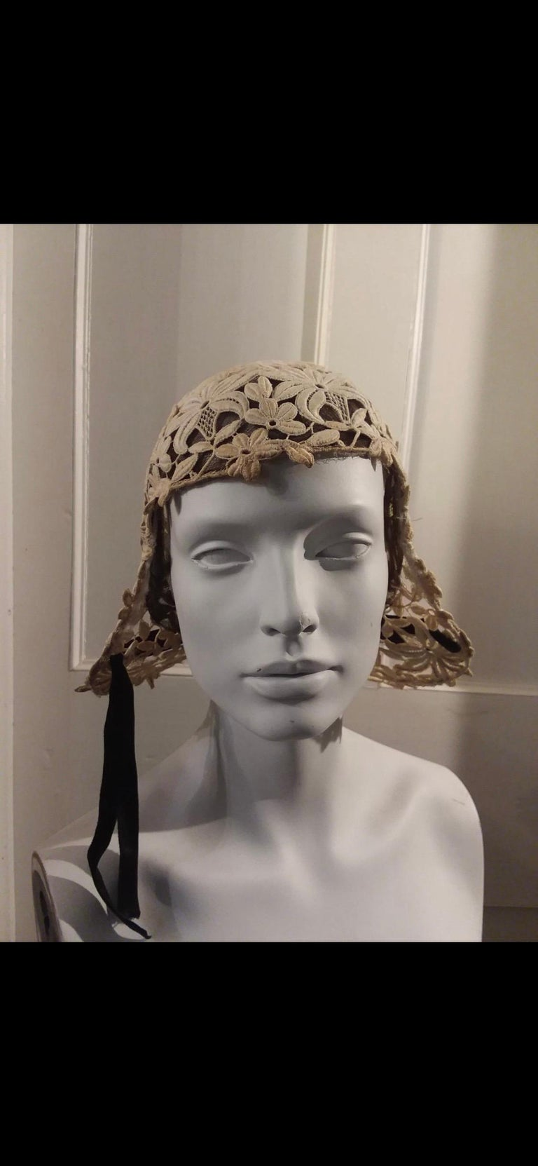 1930s Suzanne Rémy Belgian Lace Art Deco Style Helmet Cloche Wedding Hat  In Good Condition For Sale In San Francisco, CA