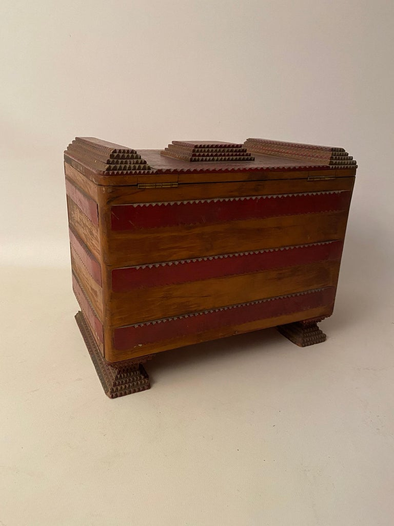 Mid-20th Century 1930s Tramp Art Keepsake Box For Sale