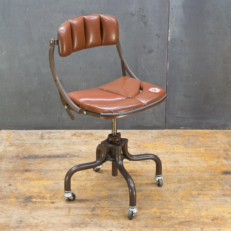 American 1930s Vintage Industrial Brown Vinyl Segmented Swivel Desk Chair Fritz Cross For Sale