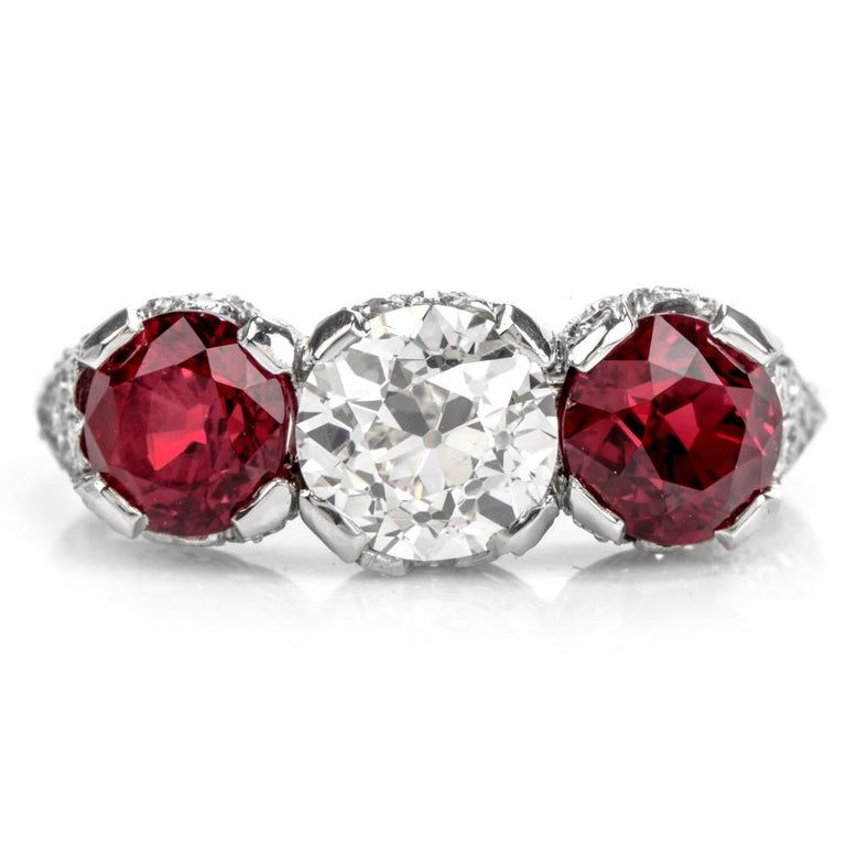 Round Cut 1930s Vintage Ruby Diamond Three-Stone Platinum Three-Stone Ring For Sale