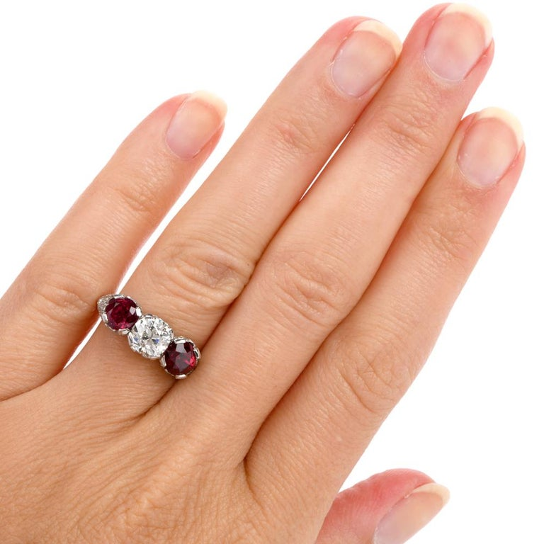 1930s Vintage Ruby Diamond Three-Stone Platinum Three-Stone Ring For Sale 3