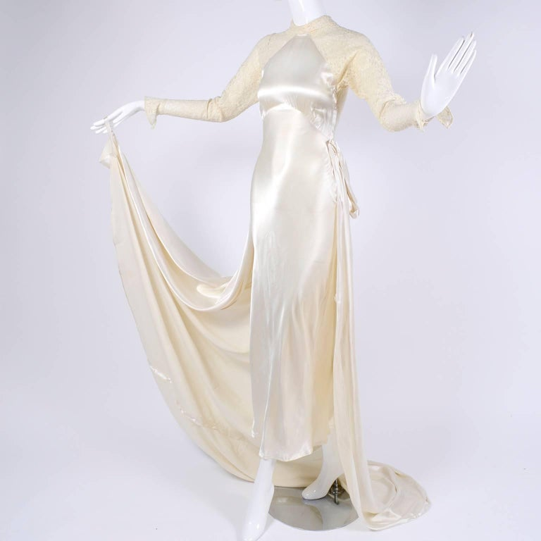 Vintage Wedding Dresses For Sale: Wedding Gown Vintage Dress In Champagne Silk Satin With