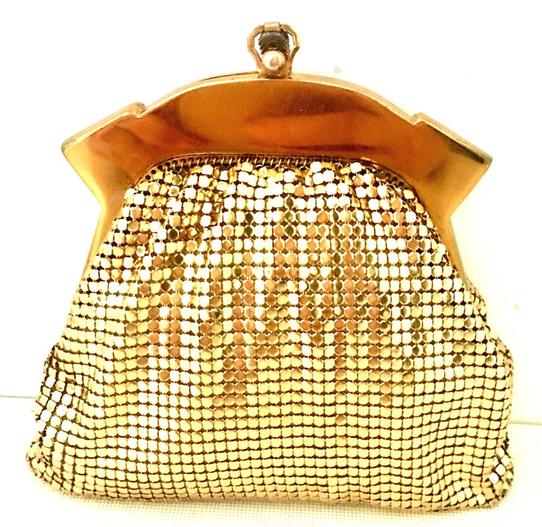 1930'S Whiting & Davis Gold Metal Mesh Wristlet Evening Bag In Good Condition In West Palm Beach, FL