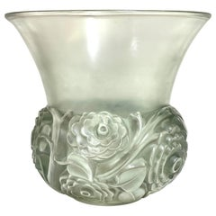 1931 René Lalique Renoncules Vase in Frosted Glass with Green Patina