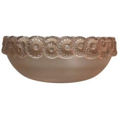 1931 René Lalique Soucy Bowl Frosted and Stained Glass, Daisy Flowers